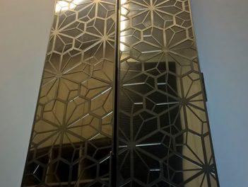 Межкомнатная дверь из нержавеющей стали